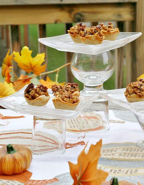 Mini Apple Pecan Pies www.fooddonelight.com