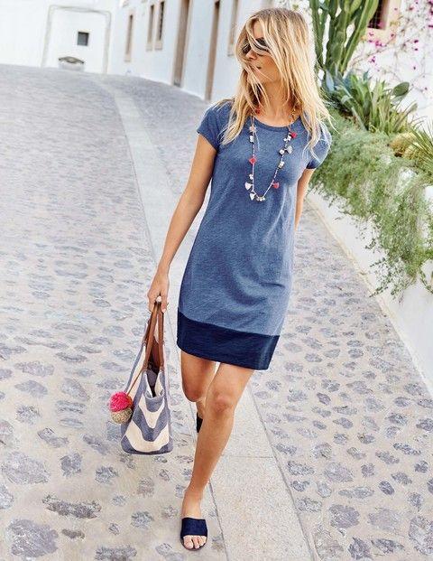 Genopptes T-Shirt-Kleid
