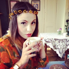 a dainty sunflower crown by loulou loves you