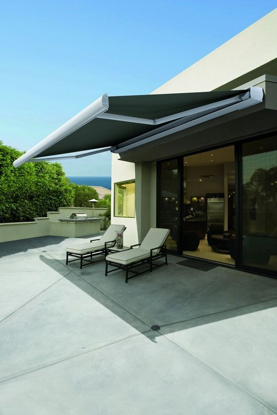 34 Awnings And Shades You Didn T Know You Needed Terrasse Jardin Bois Auvent En Tissu Stores Exterieurs