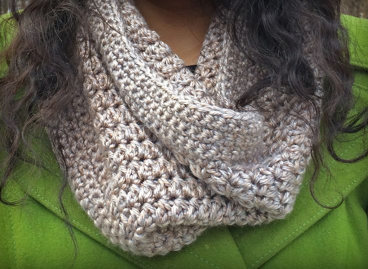 This Eggnog Crochet Cowl is just what your winter wardrobe needs! It's easy to crochet, and will keep you cozy all season long.  Work up this trendy crochet cowl using just 1 1/2 skeins of your favorite worsted weight yarn. This particular cowl sho
