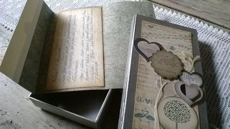 Lluvias de sobre hechas a mano, presentadas en caja decorativa para regalos de bodas y aniversarios de boda, incluyen tarjeta con mensaje en caligrafía hecha a mano.