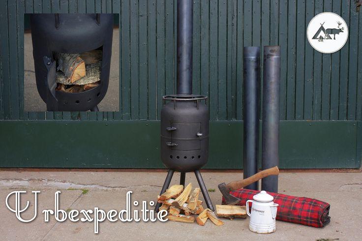 Op het terras, de camping of bij een picknick op het strand. Eigenlijk mag een rustiek kacheltje niet ontbreken. Lekker voor een romantisch avondje samen.  #wood #stove #urbexpditie #outdoor