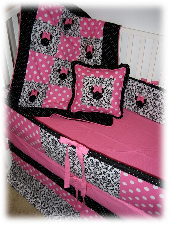 thinkin about doin similiar for baby girls room =)