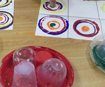 Kandinsky for kids: Making children comfortable with abstract art