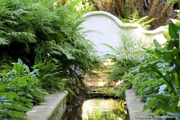 Stream Garden-Bridge-Stellenberg