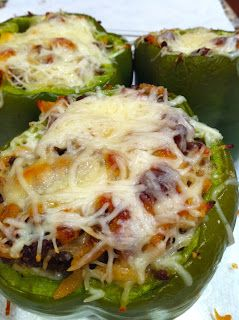 My Life According to Pinterest: Delish Dinner: Stuffed Peppers