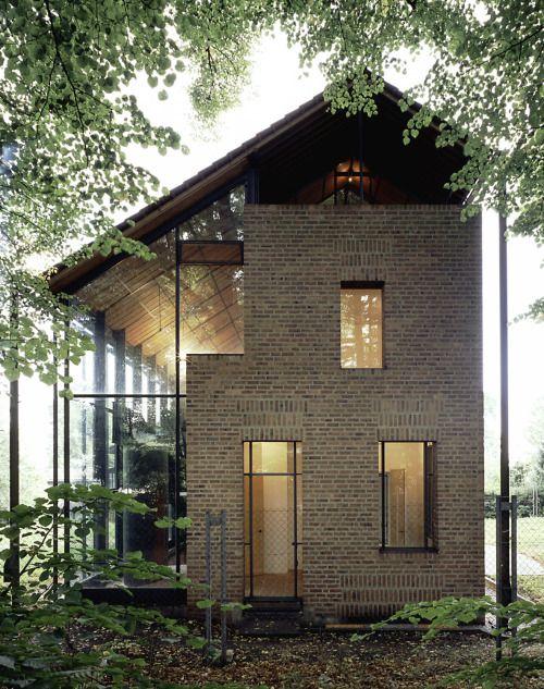 Heinz Bienefeld - House Babanek, Brühl 1997. Via Ainfantek,...