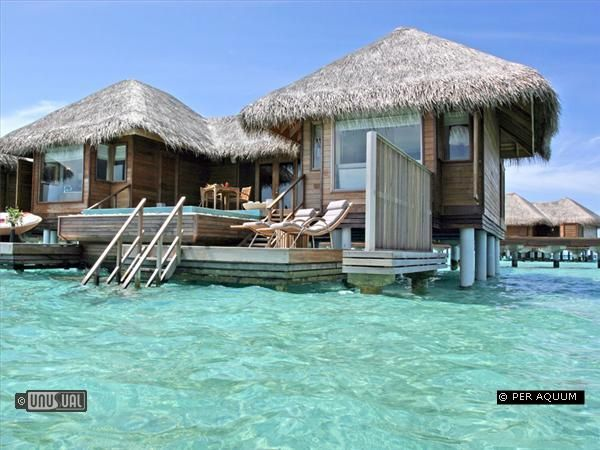 If i won the lottery this would be one of the first places I'd go:) hello tropics!
