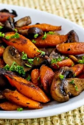 Roasted Carrots and Mushrooms with Thyme