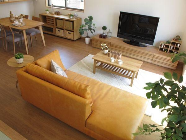 ナラ無垢材の家具でナチュラルコーディネート