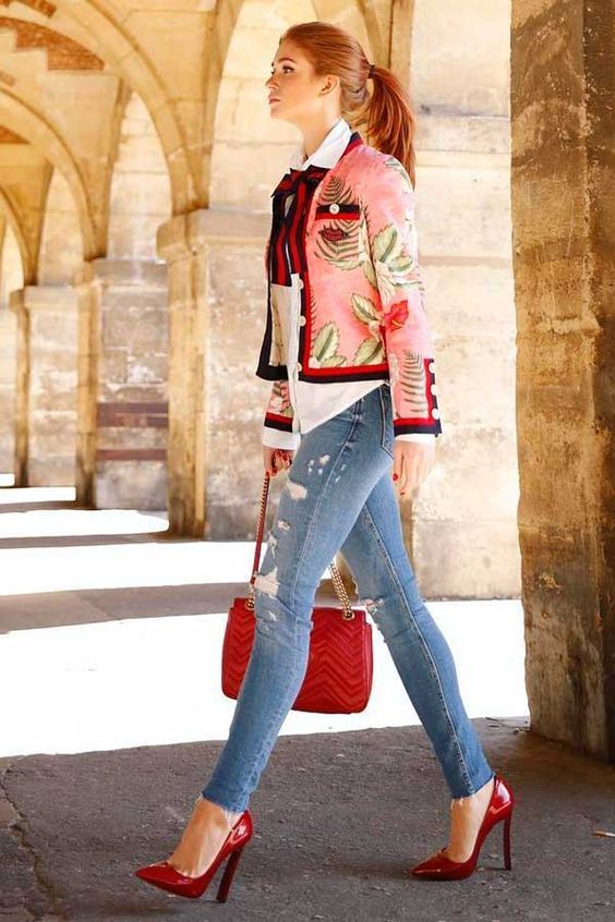 Ela nunca negou o amor pela moda. O seu ponto fraco são sapatos e bolsas. E a cada dia que passa, o estilo da Marina Ruy Barbosa fica mais refinado e trendy.