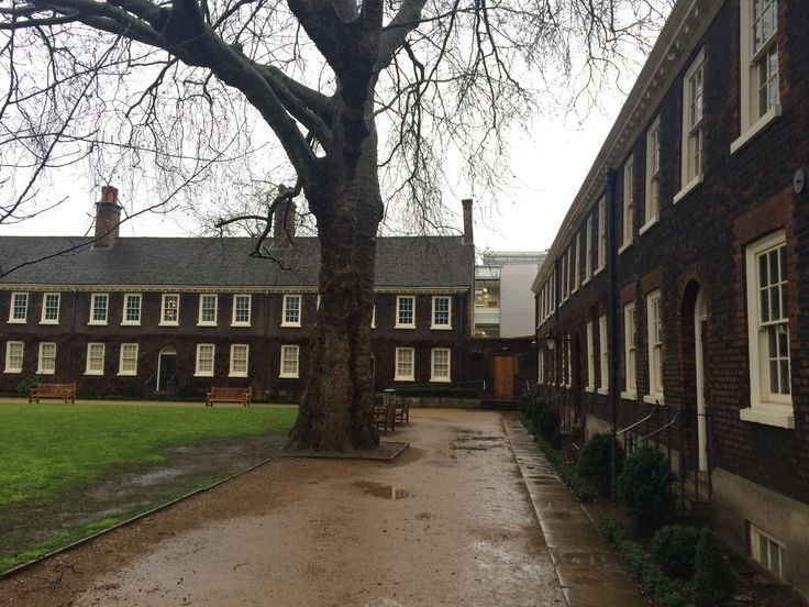 Geffrye Museum, Hoxton (former almshouse) - nicely gathered around a single-sided green space with simple, gated connection to the wings to avoid a hard-to-get-into corner and hipped roof.