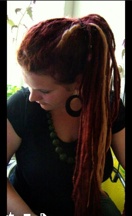 I could dye one or two of my dreads :)