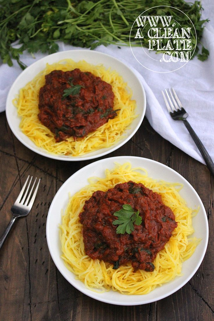 how to make spaghetti sauce with tomato puree and paste