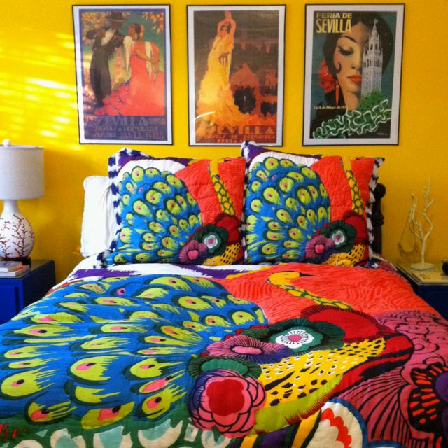 Love: Yellow Wall, Art Deco Bedrooms, Bedrooms Design, Bright Color, Beds Spreads, Bold Color, Bohemian Bedrooms, Bohemian Rooms, Peacocks Feathers