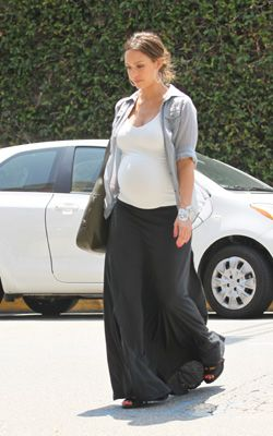 Image detail for -Alba was spotted in one of the hottest maternity fashion trends ...