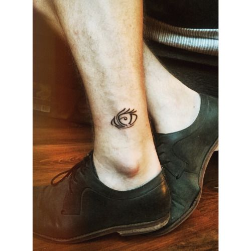 Eye tattoo on ankle, asoue, a series of unfortunate events, vfd
