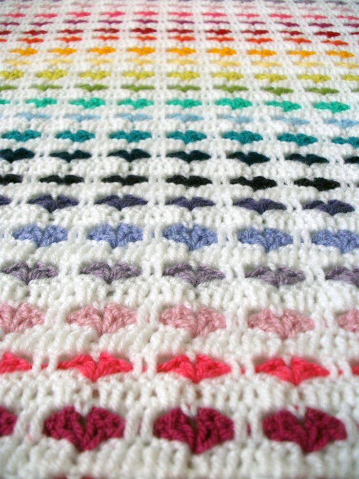 Crocheted blanket with little hearts: Dutch tutorial of an English pattern