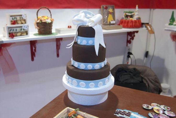 Torta su più piani per gli appassionati di CakeDesign!