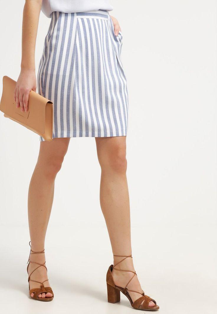 que es un personal shopper - falda de rayas kiomi