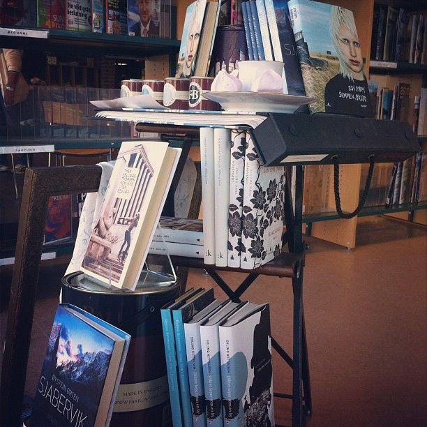 "@sandefjordbibliotek's photo: ""#bøker #utstilling #mittbibliotek #sandefjordbibliotek"""