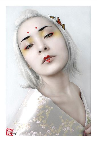 Asian Japanese geisha Kimono Inspired Fashion