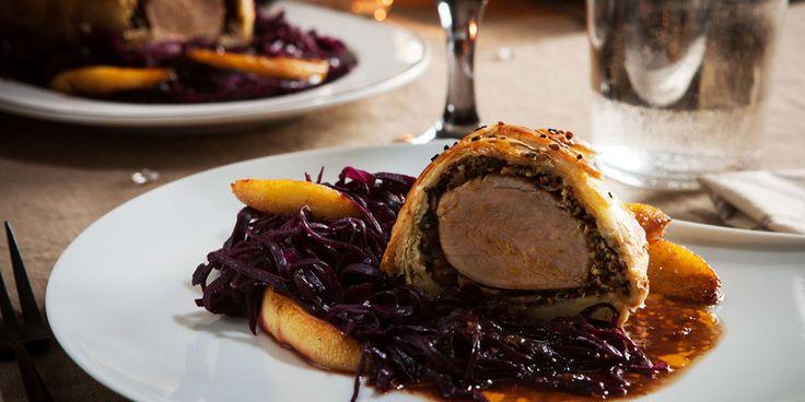 Filet mignon de porc croustillant parfumé à la moutarde de Meaux et chou rouge braisé