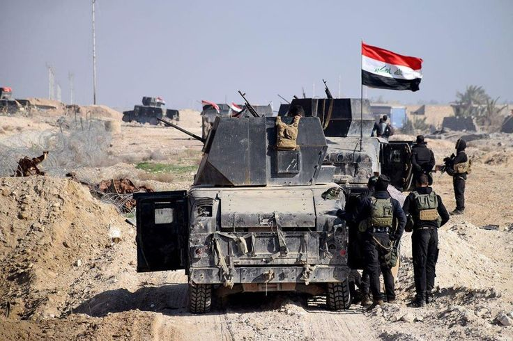 "ISIS bangun parit untuk pertahankan Mosul  MOSUL (Arrahmah.com) - ISIS membangun parit di sekitar Mosul di Irak utara yang merupakan sebuah upaya untuk melawan pasukan pemerintah Irak demi mempertahankan kota tersebut lapor Reuters.  Menurut laporan itu bulan ini ISIS telah bekerja keras menggali parit di sepanjang batas pinggir kota yang posisinya berdekatan dengan tanki minyak untuk menciptakan sebuah ""sungai api"" yang akan menghambat gerak maju pasukan pemerintah Irak dan menghalangi…"