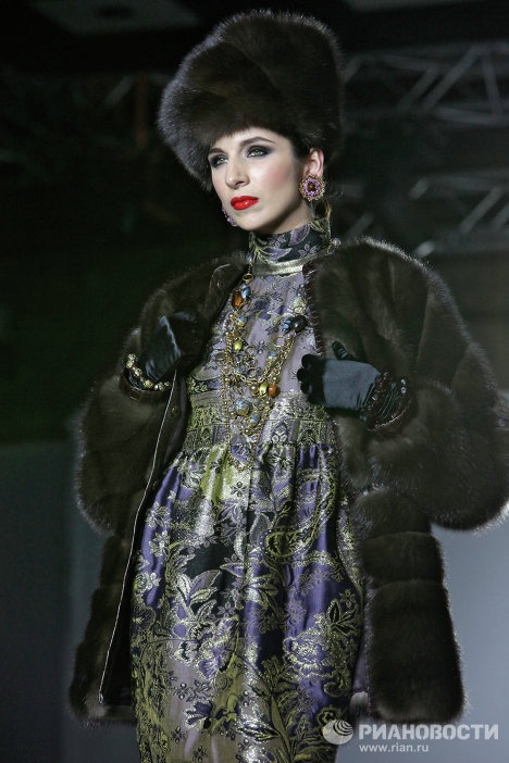 Russian Fashion Week 2009 So Russian Pinterest Russian Fashion Fashion Weeks And Russian