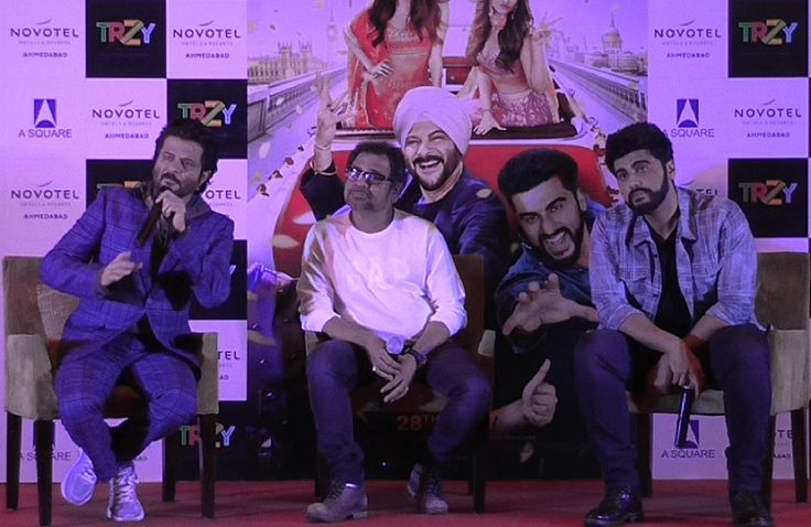 #Anil #Kapoor and #Arjun #Kapoor promotes #Mubarakan movie in #Ahmedabad http://www.gujaratheadline.com/anil-kapoor-and-arjun-kapoo…/