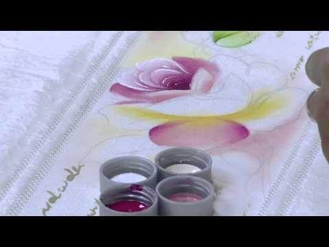 Pintura em toalha rosas