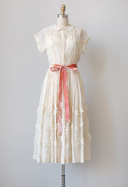 In love with this vintage 1940s party dress from Adored Vintage