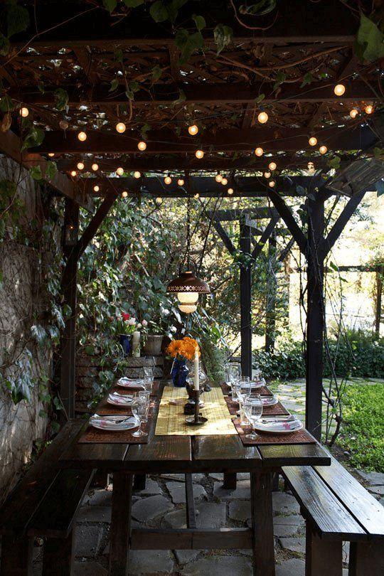 garden trellis picnic table
