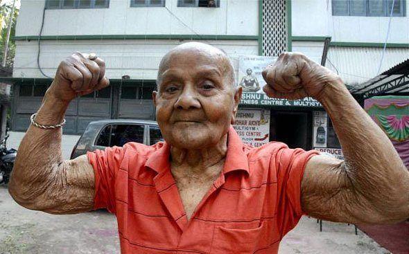 Vo veku 104 rokov zomrel dňa 6. 6. 2016 najstarší kulturista sveta Manohar Aich z Indie. Manohar zvíťazil na Mr. Universe v roku 1952.