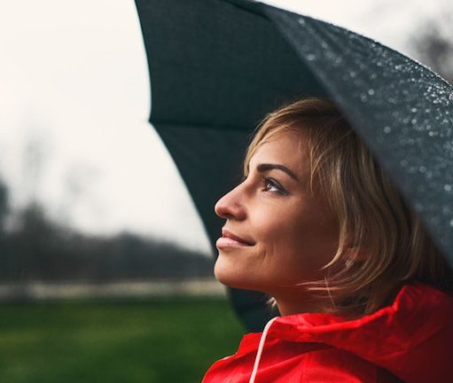 How to prevent rain from ruining your hairstyle: Look hot even when the weather is not