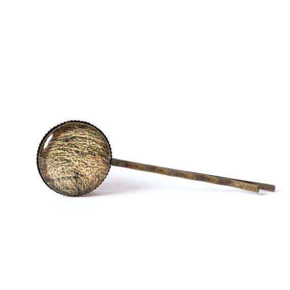 Hay hair pin