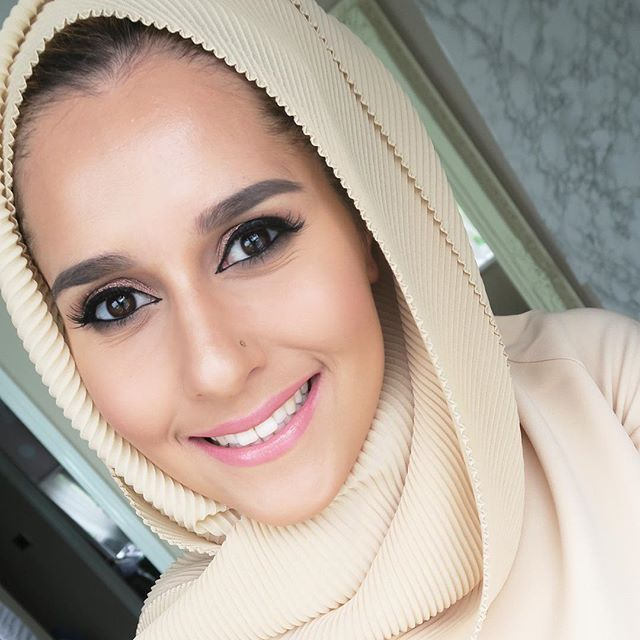@yslbeauty volupte shine on my lips! New video on my channel! #dinatokio #volupteshine