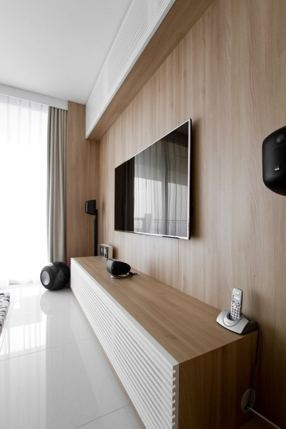 Oak colored wall for TV station - minimal home design || @pattonmelo