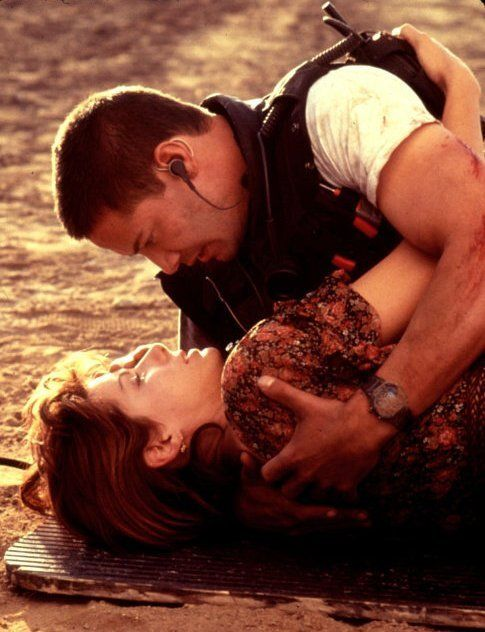 Jack Traven & Annie Porter | Speed (1994)    #keanureeves #sandrabullock #couples