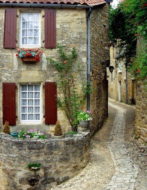 Dordogne, France  photo via gulielmina