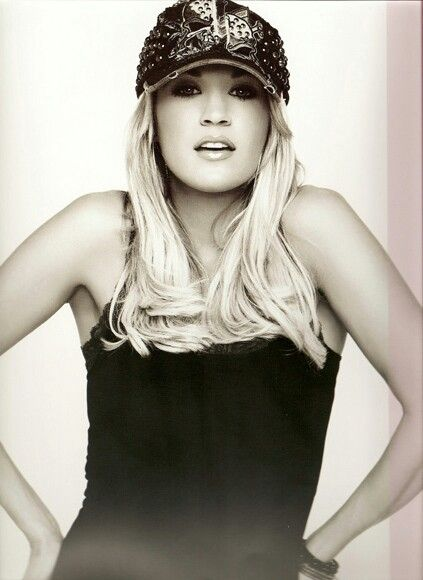 Carrie Underwood. This will alwaysss be one of my favorite pictures of her!!!