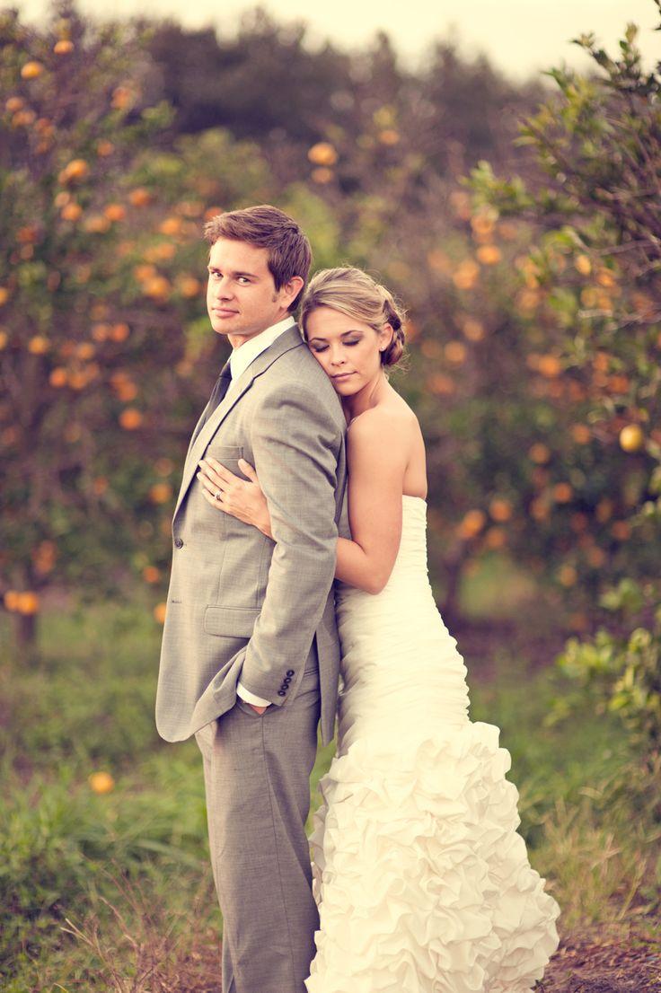Tips For Posing For Wedding Photography: Wedding Photo Ideas