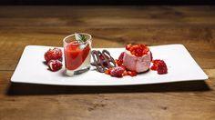 Erdbeer-Joghurt-Törtchen und Buttermilchcreme mit Erdbeersoße | Bild: BR/megaherz gmbh