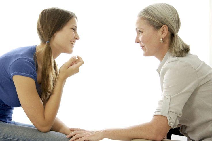 SER BUENOS PADRES DE UN ADOLESCENTE  Los padres frecuentemente se involucran menos en las vidas de sus hijos cuando éstos entran a la secundaria. Pero un adolescente necesita la misma cantidad de atención y amor que cuando era más pequeño, y quizás un poco más. Una buena relación con los padres y otros adultos es la mejor defensa para los chicos…  http://www.thevalues.club/paternidad/ser-buenos-padres-de-un-adolescente  CONSEJOS,PATERNIDAD,RELACIONES