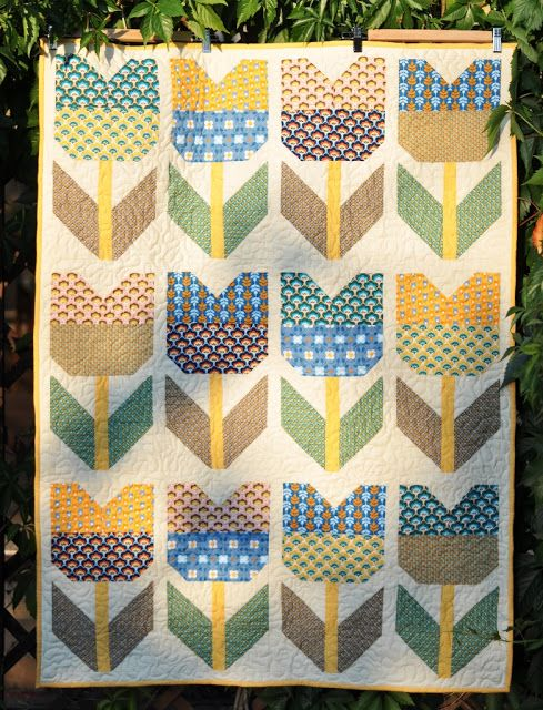 """Kiltowo"" cult quilting: Tulips in August"