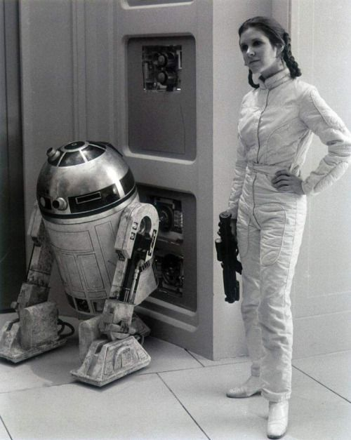 "R2D2 ""Kenny Baker"" and Carrie Fisher on the set of Empire Strikes Back retrostarwarsstrikesback"