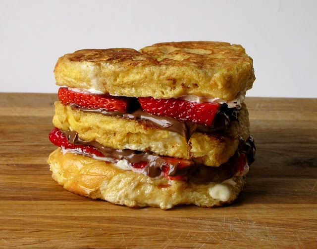challah, mascarpone, nutella, strawberries: Challah French Toast, Food, Breakfast, French Toast Recipe, Strawberries, Cheese Social, Grilled Cheeses, Frenchtoast, Nutella