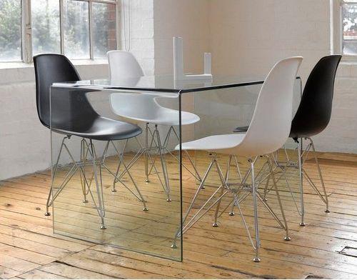 Mesa de cristal curvado #Mesas imprescindibles: el centro de la conversación. Acoge, renueva y amplia. Una propuesta para inspirar tu sobremesa