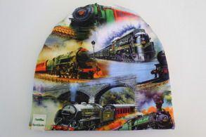 Mössa tåg   Camillas Barnkläder. Populär mössmodel i ekologiskt Jerseytyg (GOTS). Foder i jersey eller bomullsfleece (GOTS). Finns i storlek 44-58. 120 kr